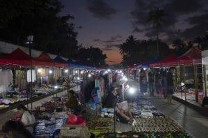 Cinque cose da fare a Luang Prabang, mercato serale