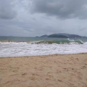 località costiere vietnam del sud - spiaggia di nha trang